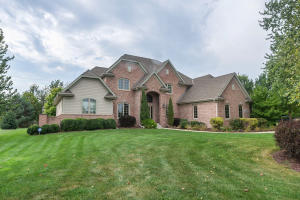 Property for sale at W286N3369 Stone Fence Ct, Pewaukee,  WI 53072