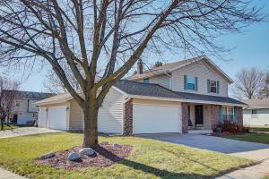 Property for sale at 1557 Riverdale Dr, Oconomowoc,  WI 53066