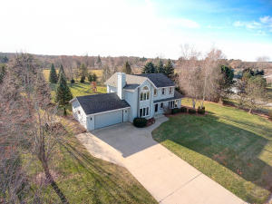 Property for sale at N74W28201 Trowbridge Trl, Hartland,  WI 53029