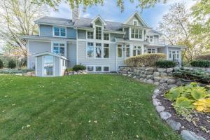 Property for sale at 2301 Nagawicka Rd, Hartland,  WI 53029