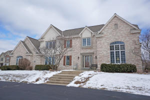 Property for sale at W311N4956 Old Steeple Ct, Hartland,  WI 53029