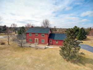 Property for sale at 113 N Meadowside Ct, Summit,  WI 53066