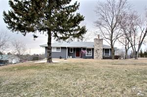 Property for sale at N76W29010 County Road Vv, Hartland,  WI 53029