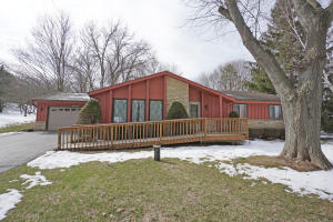 Property for sale at W316N841 Juniper Ter, Delafield,  WI 53018