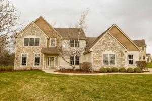 Property for sale at 375 Switch Grass Ct, Hartland,  WI 53029