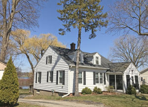 Property for sale at 352 W Wisconsin Ave, Oconomowoc,  WI 53066