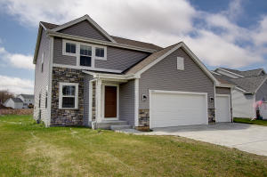 Property for sale at N8001 Woodland Ct, Ixonia,  WI 53036