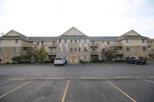 Property for sale at 530 Windstone Dr Unit: 303, Hartland,  WI 53029
