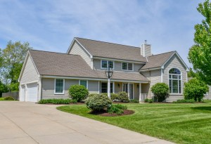 Property for sale at 219 Zeck Ct, Dousman,  WI 53118