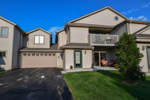 Property for sale at 2285 Circle Rdg Unit: 27, Delafield,  WI 53018