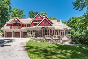 Property for sale at 31150 W Thompson Ln, Hartland,  WI 53029