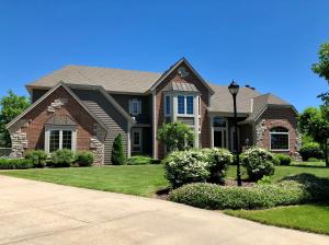Property for sale at 386 Prairie Grass Ct, Hartland,  WI 53029