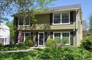 Property for sale at 200 E Park Ave, Hartland,  WI 53029