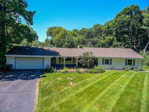 Property for sale at 4606 W Deer Park Rd, Oconomowoc,  WI 53066