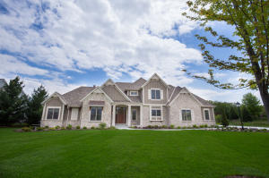 Property for sale at 1850 Carriage Hills Dr, Delafield,  WI 53018