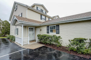 Property for sale at 1339 Meadowcreek Dr Unit: H, Pewaukee,  WI 53072