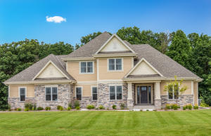 Property for sale at 244 Four Winds Ct, Hartland,  WI 53029