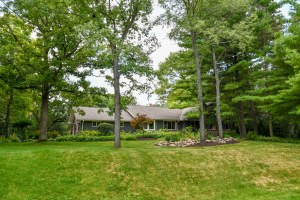Property for sale at W337S4347 Deerpark Ct, Dousman,  WI 53118