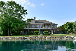 Property for sale at 411 Island View Ct, Dousman,  WI 53118