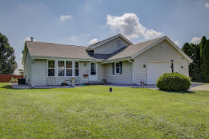 Property for sale at W1491 Cardiff Ln, Ixonia,  WI 53036