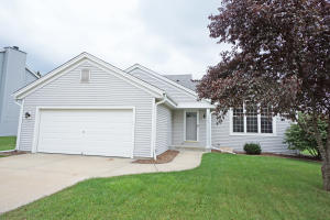Property for sale at 1342 Chesterwood Ln, Pewaukee,  WI 53072