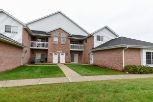 Property for sale at N25W24129 River Park Dr Unit: 5, Pewaukee,  WI 53072