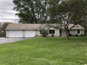 Property for sale at 249 Johnston Dr, Dousman,  WI 53118