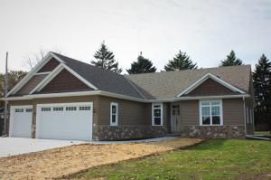 Property for sale at 513 Memory Ln, Hartland,  WI 53029