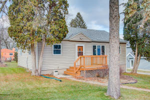 Property for sale at 1525 3rd St, Delafield,  WI 53018