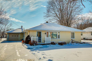 Property for sale at 307 Hill St, Hartland,  WI 53029