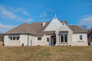 Property for sale at 1540 Newbridge Ln, Oconomowoc,  WI 53066