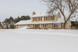 Property for sale at W316N420 Huckleberry Way, Delafield,  WI 53018