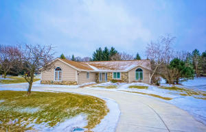 Property for sale at N41W32909 Neptune Bight, Nashotah,  WI 53058
