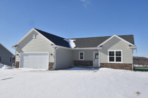 Property for sale at N645 Westview Dr, Oconomowoc,  WI 53066