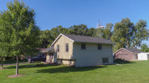 Property for sale at W352N5347 Lake Dr, Oconomowoc,  WI 53066