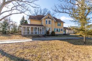 Property for sale at 37214 Delafield Rd, Oconomowoc,  WI 53066