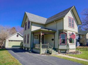 Property for sale at 415 N Oakwood Ave, Oconomowoc,  WI 53066