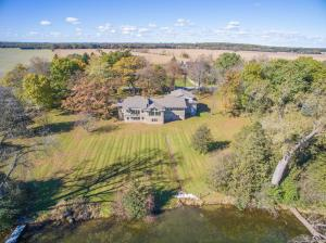 Property for sale at 1548 N Dousman Rd, Summit,  Wisconsin 53066