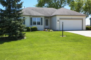 Property for sale at W1025 Snowyowl Ln, Ixonia,  WI 53036
