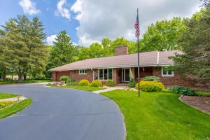 Property for sale at N74W29083 Winzer Rd, Hartland,  WI 53029