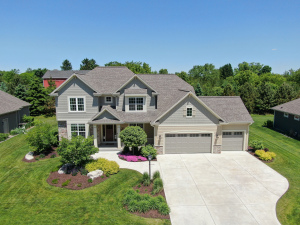 Property for sale at N47W22152 Woodleaf Way, Pewaukee,  WI 53072
