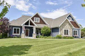 Property for sale at 1256 Mary Hill Cir, Hartland,  WI 53029
