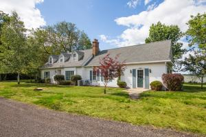 Property for sale at 1228 W Wisconsin Ave, Oconomowoc,  Wisconsin 53066