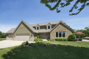 Property for sale at W329N3788 Timberwood Ct, Nashotah,  Wisconsin 53058