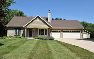 Property for sale at W361S2718 Lisa Ln, Dousman,  Wisconsin 53118