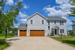 Property for sale at W1166 Winterberry Ln, Ixonia,  Wisconsin 53036