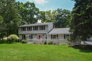 Property for sale at 721 Acorn Glen, Delafield,  Wisconsin 53018