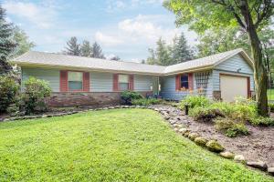 Property for sale at 446 N Lapham Peak Rd, Delafield,  Wisconsin 53018