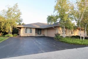 Property for sale at 514 N Ponderosa Dr, Hartland,  Wisconsin 53029