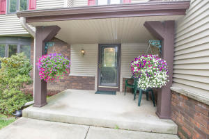 Property for sale at W318N276 Sandy Hollow Ct, Delafield,  Wisconsin 53018
